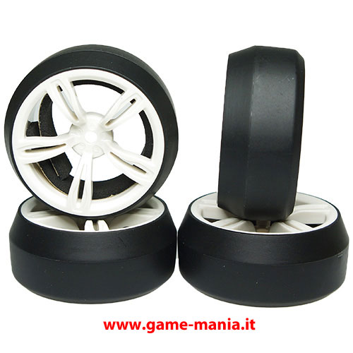 Set gomme DRIFT su cerchi BIANCHI a 5 razze doppie offset +3mm by Yeah R.